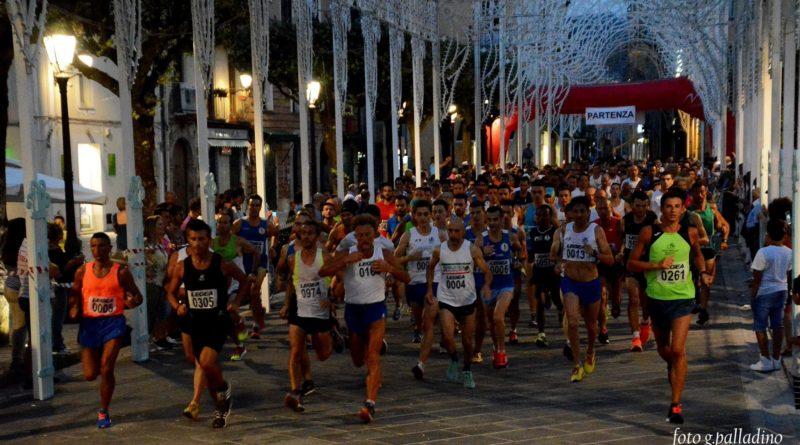 6fbc71064 Duecento atleti per Vallo In Corsa   Trionfano Nigro e Bianco